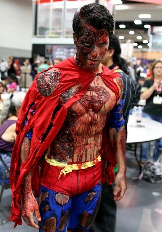 Superman Zumbi - Cosplay