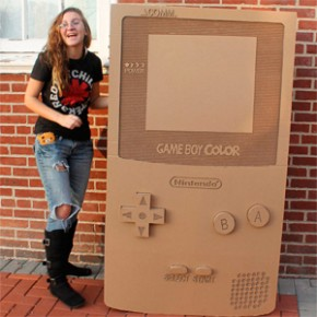 Nintendo Game Boy Color Gigante de Papelão
