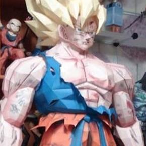 Dragon Ball Z - Papercraft de Goku em Tamanho Real