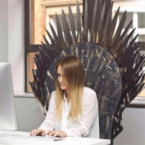 Game of Thrones - Transforme qualquer cadeira no Trono de Ferro!