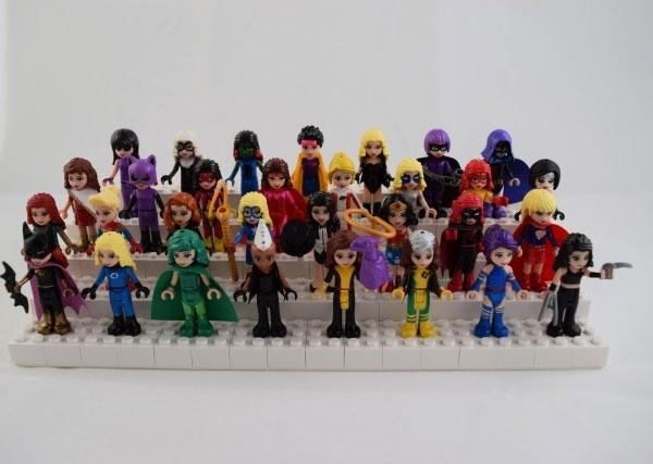 miniguras de LEGO como Super-Heroínas