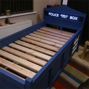 Doctor Who - Cama Inspirada na TARDIS