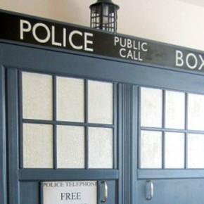 Doctor Who - Cama Retrátil Inspirada na TARDIS