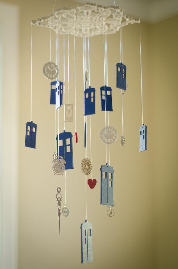 Móbiles nerd quarto decoração