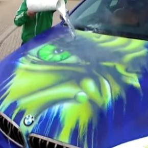 BMW X6 se transforma no Hulk com água quente!