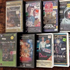 Designer transforma séries e filmes atuais em VHS