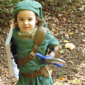 """Link or Treat"" - Pais cineastas criam vídeo com filha vestida de Link em aventura de Legend of Zelda Halloween"