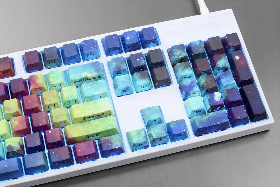 Transforme seu teclado em uma linda galáxia