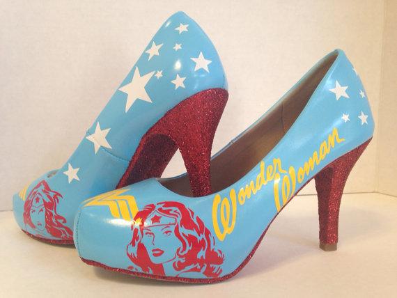 Loja americana transforma sapatos em verdadeiros cosplays