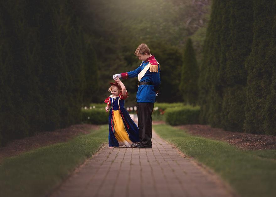 Menino surpreende irmã com ensaio fotográfico de Princesa da Disney