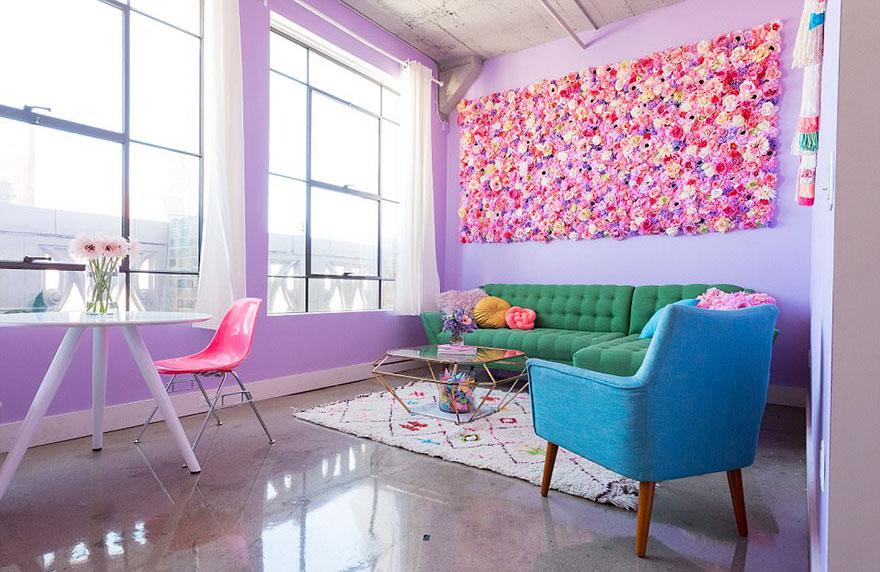 Designer transforma apartamento em arco-íris