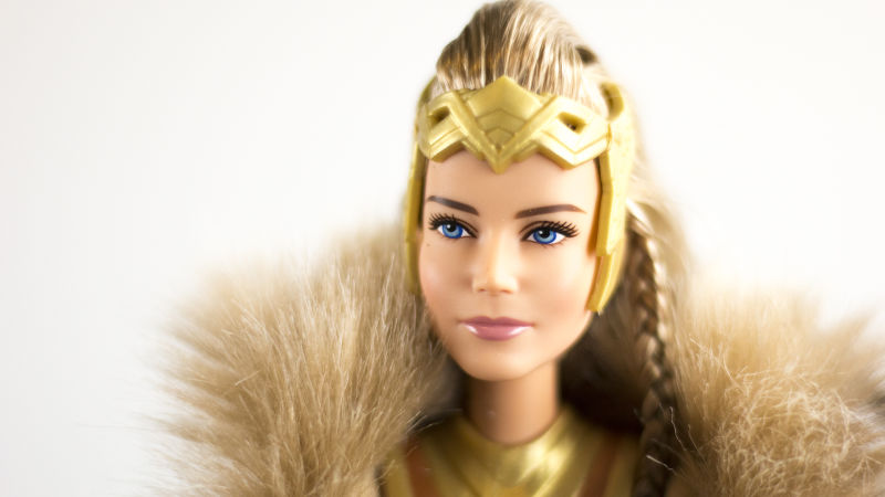 Mattel lança coleção Barbie Mulher Maravilha