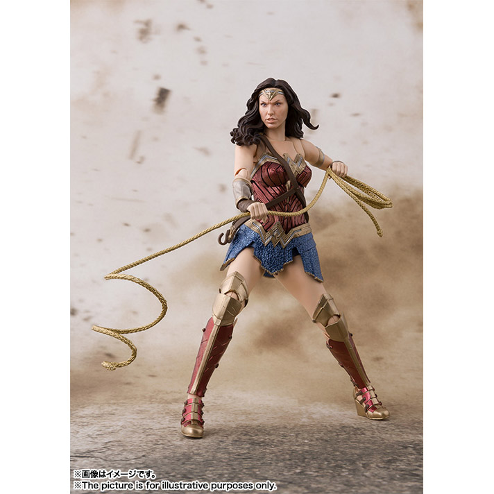 Action figure Mulher Maravilha interpretada por Gal Gadot