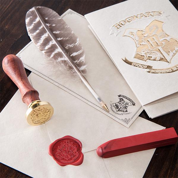 Envie cartas com o selo oficial de Hogwarts!