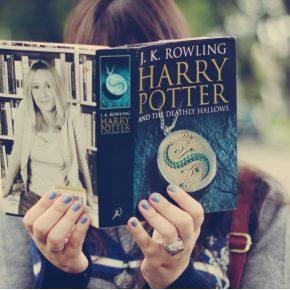 Leitores de Harry Potter são pessoas melhores e ciência comprova