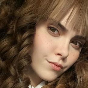 Ilona Bugaeva: Artista russa vai te deixar fascinado com sua capacidade de metamorfose!
