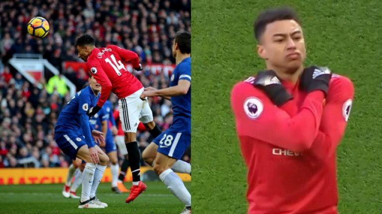 Jogadores do Manchester United comemoram gol fazendo saudação de Pantera Negra