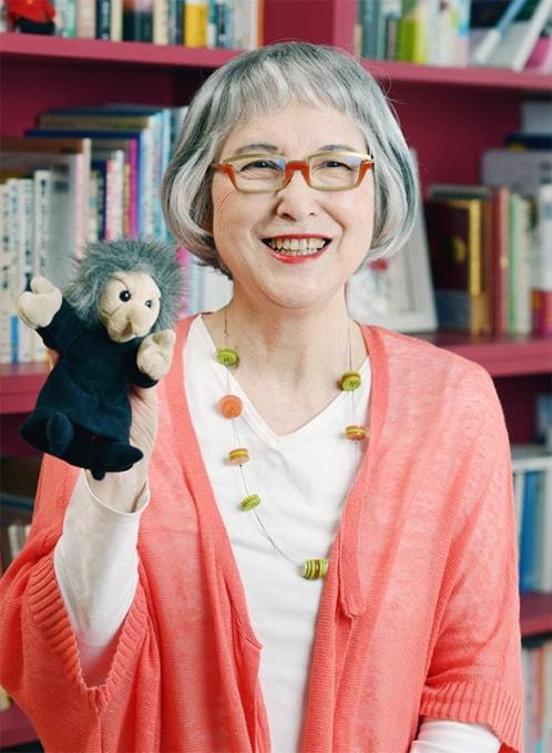 "Eiko Kadono, autora de ""O serviço de entregas da Kiki"", vence ""Nobel"" da literatura infantil"