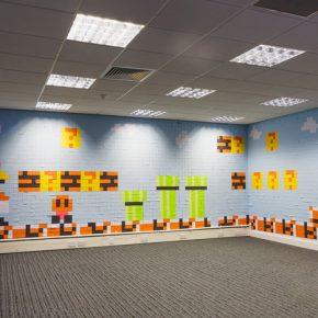 Super Mario: Funcionários recriam decoração de escritório utilizando Post-its!