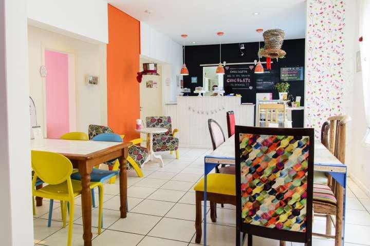 Alice no País das Maravilhas é tema de casa de chá em Curitiba