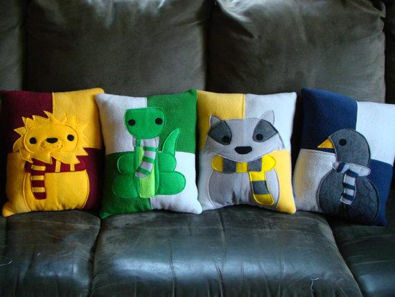 Decore sua sala com essas lindas almofadas de feltro artesanais