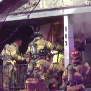Homem entra na própria casa em chamas para salvar seu Xbox