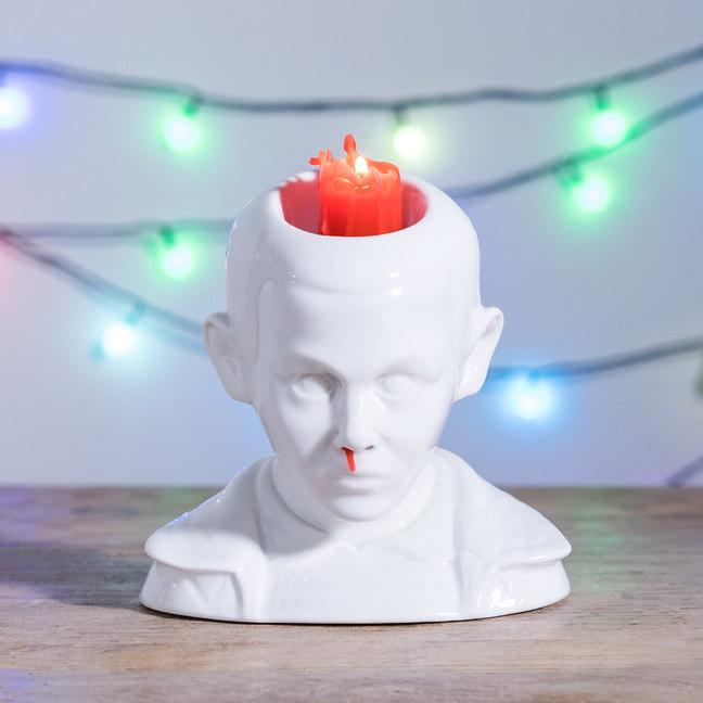 candelabro inspirado em nariz sangrando de Eleven