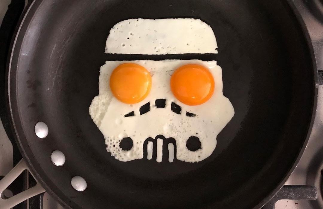 A combinação de ovos fritos e cultura pop!